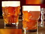 Халба за бира във формата на череп
