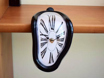 Топящ се часовник